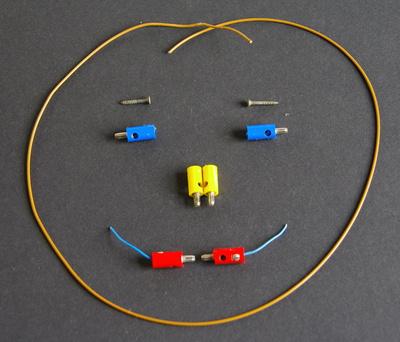 Smiley aus Steckern