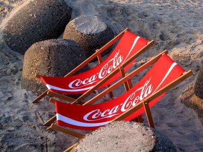 Coca Cola am Strand: Ice-Bottle