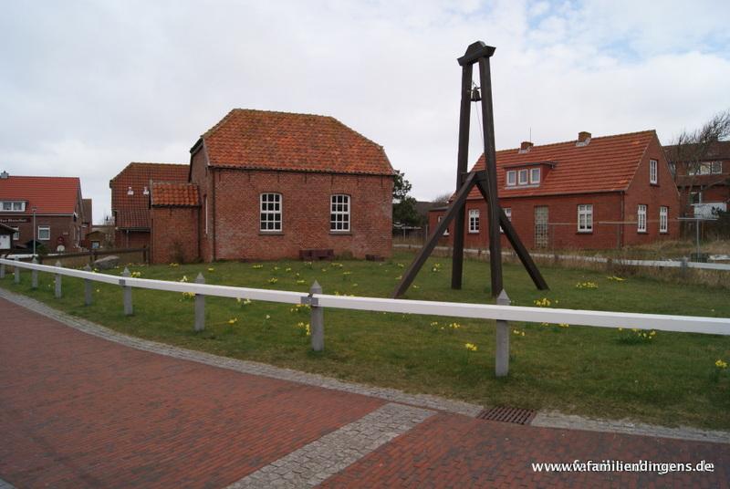 Inselglocke und Inselkirche Baltrum