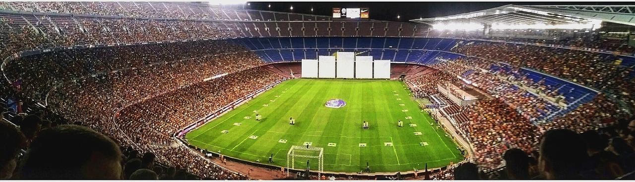 Camp Nou – Ein Fußballstadion, das nicht nur Fußballfans zum Staunen bringt